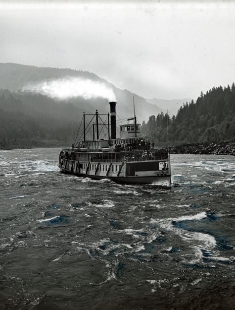Steamer Bailey Gatzert Approaching Cascade Locks, Gifford Photographic Collection
