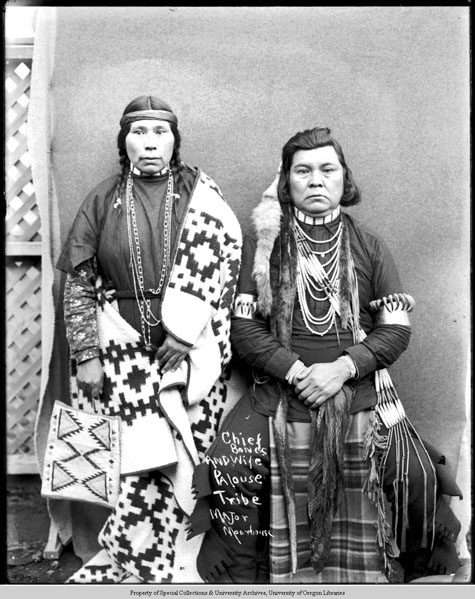 Chief Bones and wife Palouse Tribe, Moorhouse Collection, PH036-4293, Picturing the Cayuse, Walla Walla, and Umatilla Tribes
