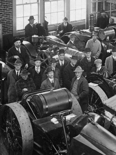 Students in a short course on tractors offered by the Extension Service, ca. 1915, Historical Images of Oregon State University