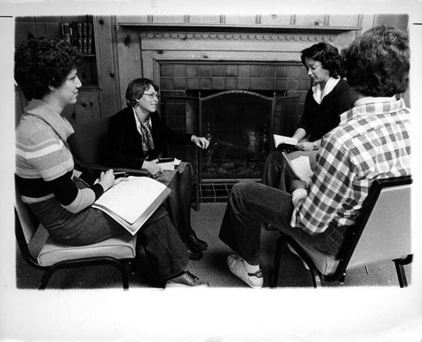 Honors College fireplace study group, UO Archives Photographs