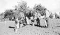 F. C. Reimer with horticulture class at the Southern Oregon Experiment Station